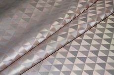 Портьера с треугольниками