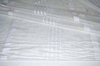 Гардина с белой полосой