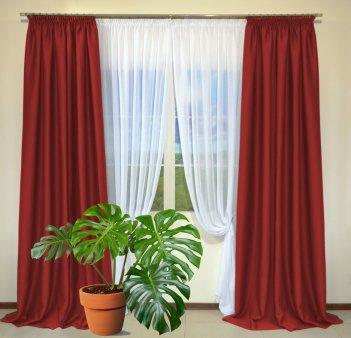 Готовые шторы из портьеры Diamond красного цвета 12477 Kirmizi (2 шт х 1,5 м)