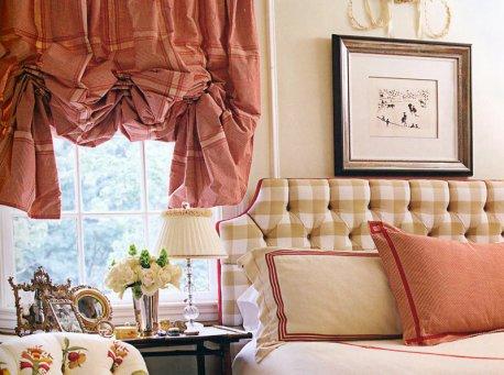 Австрийская штора на окне в спальне недорого