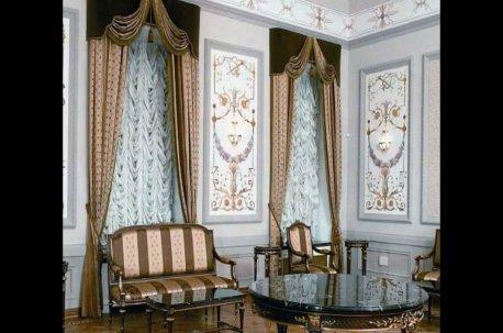 Французские шторы в большом зале недорого