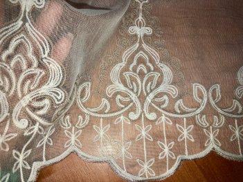 Гардина с вышивкой BRISTOL 4548, цвет бежевый