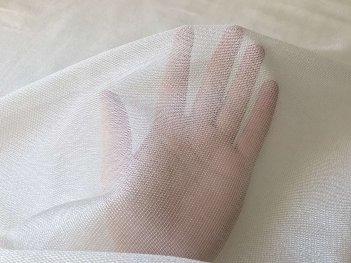 Красивый тюль-сеточка с блеском кремовая