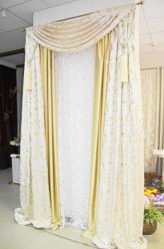 Штора с ламбрекеном из классической шелковой ткани индийского производства