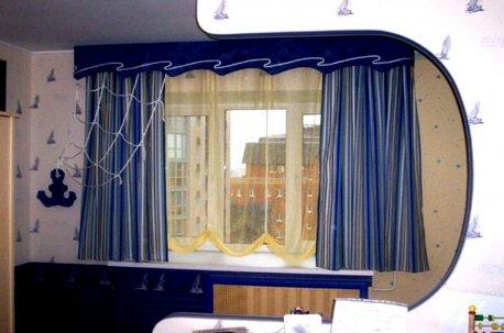 Оригинальные шторы на окне в детской комнате недорого