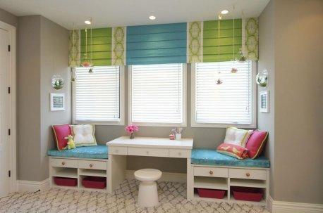 Римские шторы в детской комнате - чередование цветов недорого