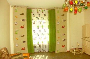Оригинальный вариант оформления детской шторами