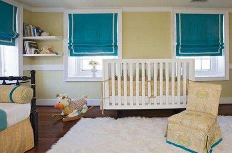 Детская комната с римскими шторами из бирюзовой ткани недорого