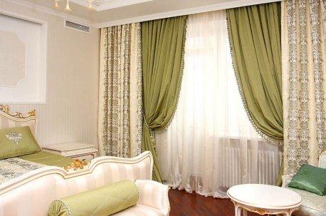 Красота в простоте - красивый пример оформления спальни недорого