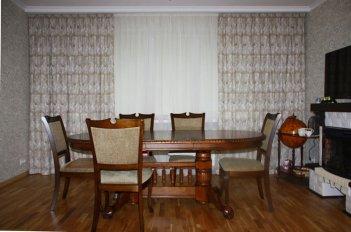 Простая функциональная модель штор в гостиной