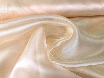Органза с жемчужным отливом персикового цвета